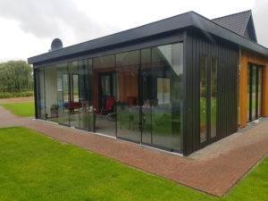 Aanbouw-glas-300x225 Glazen schuifwanden voor luxe en comfort