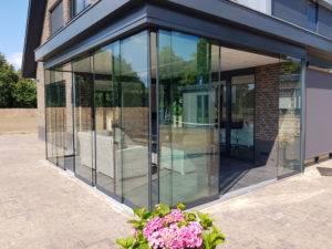 Glazen-schuifwand-2-300x225 Glazen schuifwanden voor luxe en comfort